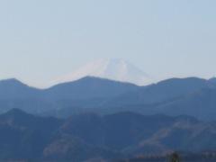 遠くに白き富士